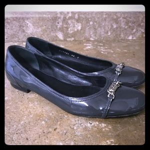 Womens Authentic GUCCI Logo Flats Shoes Size 40